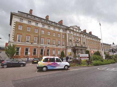 出国看病医院_英国伦敦国王学院医院